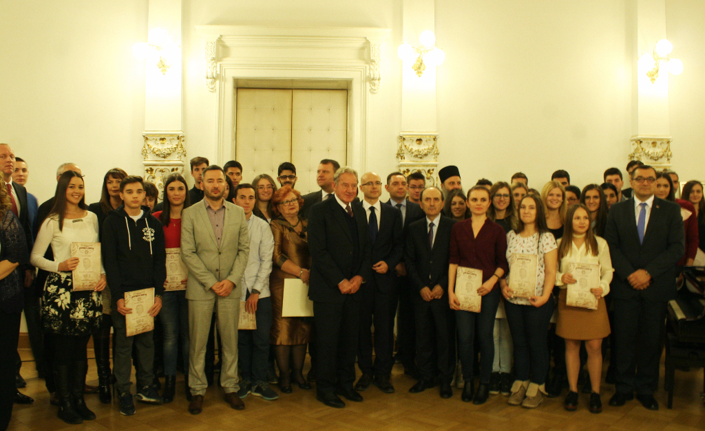 Zajednička fotografija članova, rukovodstva i gostiju